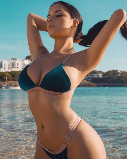 Photos Of Demi Rose (31 pics)
