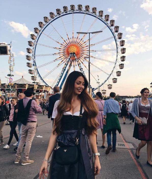 Girls Of Oktoberfest (39 pics)