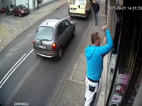 Instant Karma For Being Stupid