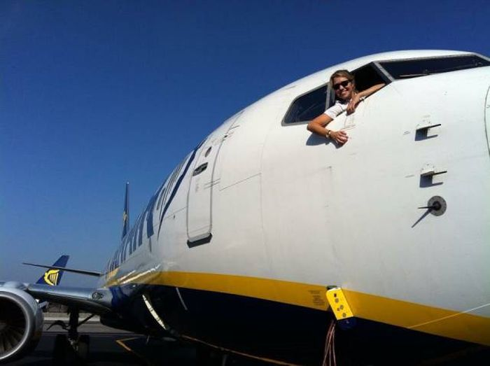 Eva Will Take You For A Sky Trip (22 pics)
