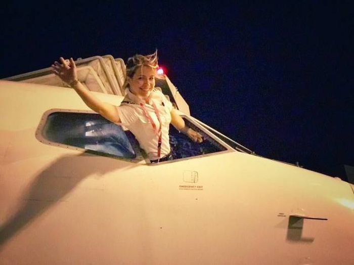 Eva Will Take You For A Sky Trip (22 pics)