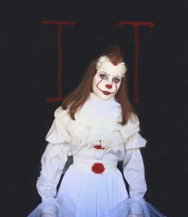 female pennywise cosplay  22 pics send in clowns meaning send in clowns meaning