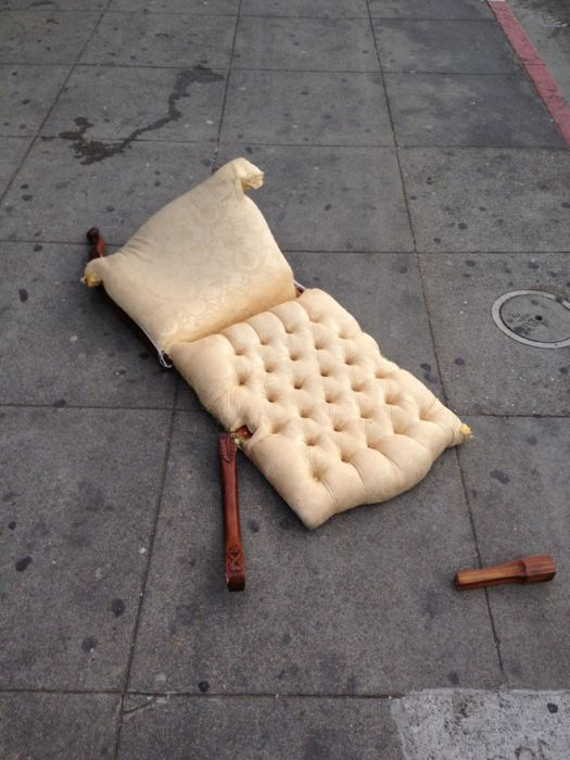 Sad Stuff You See on the Streets (25 pics)