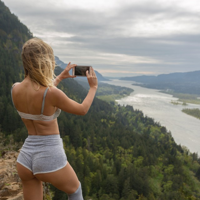 Very Hot Sarah Underwood Instagram Photos (25 pics)