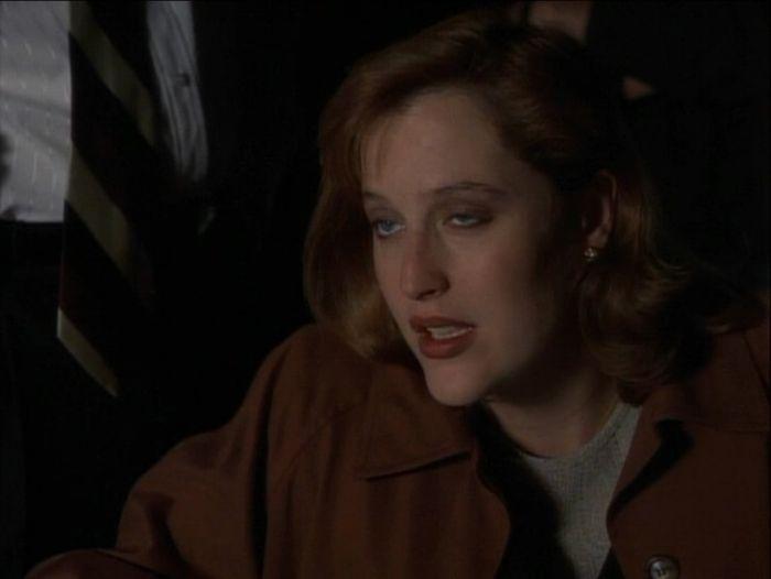 Scully's Eyes (16 pics)