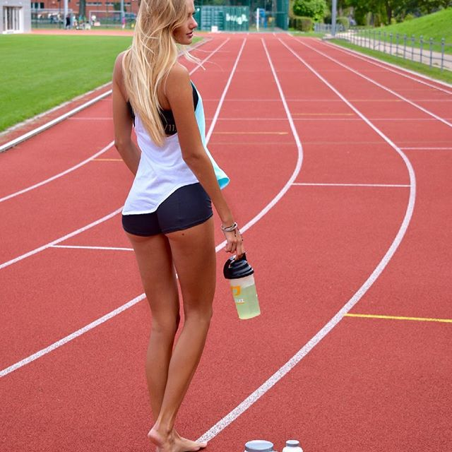 18-Year-Old Runner Alicia Schmidt from Germany (20 pics)