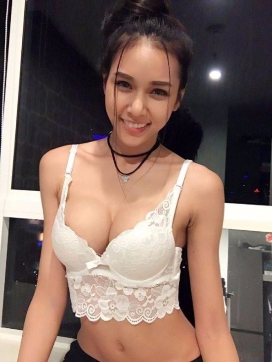 Hot Asian Girls (28 pics)