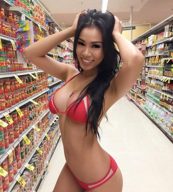 Hot Asian Girls (28 pics)