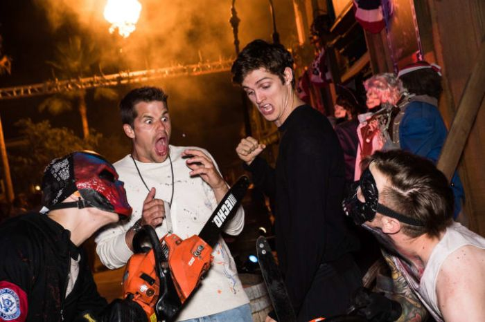 Celebs Being Terrified At Halloween Horror Nights (15 pics)