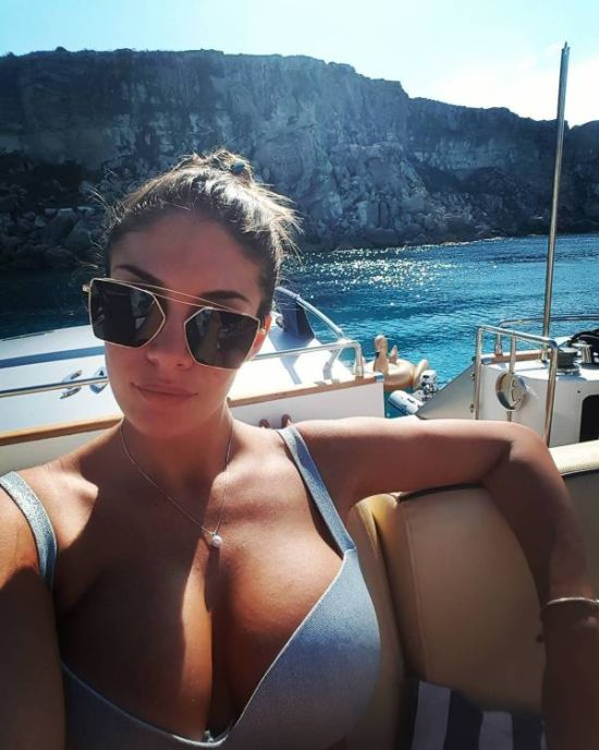 Girls In Sunglasses (38 pics)