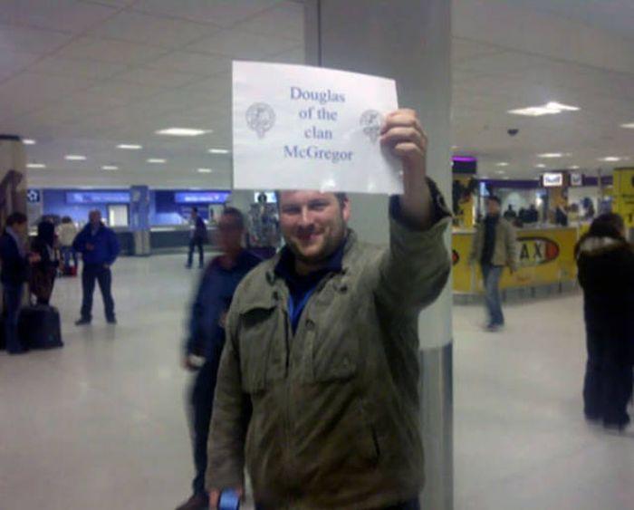 Creative Airport Greetings (40 pics)