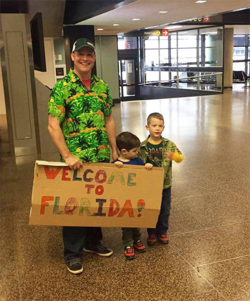 Creative Airport Greetings (40 pics)