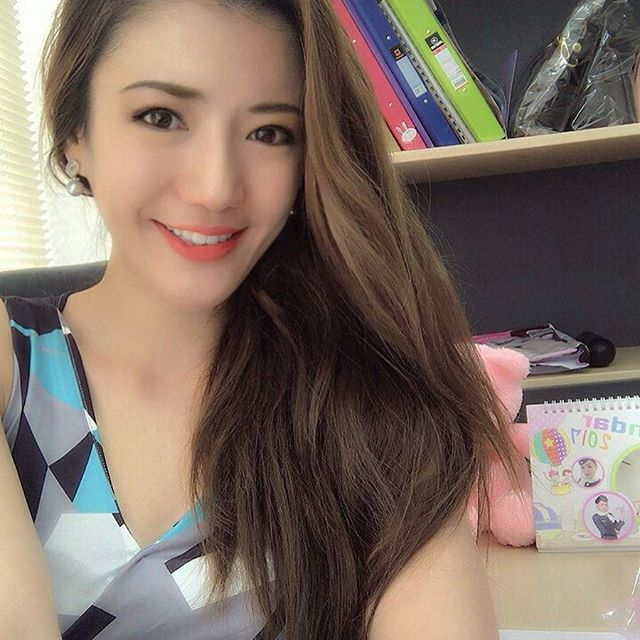 Beautiful English Teacher Benjamin Som (21 pics)