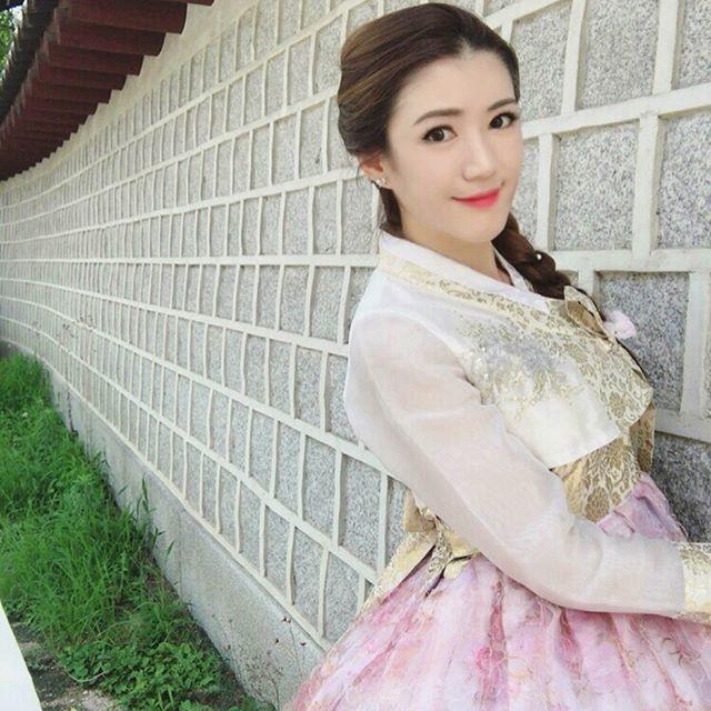 Beautiful English Teacher Benjamin Som (21 pics)