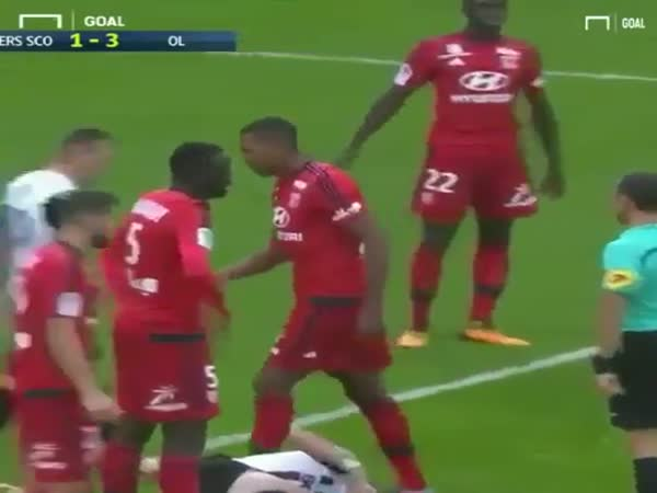 Marcelo (Lyon) Defender Sent Off For Yellow Card Flick