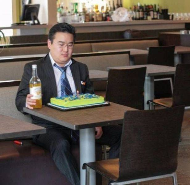 Lonely People (33 pics)