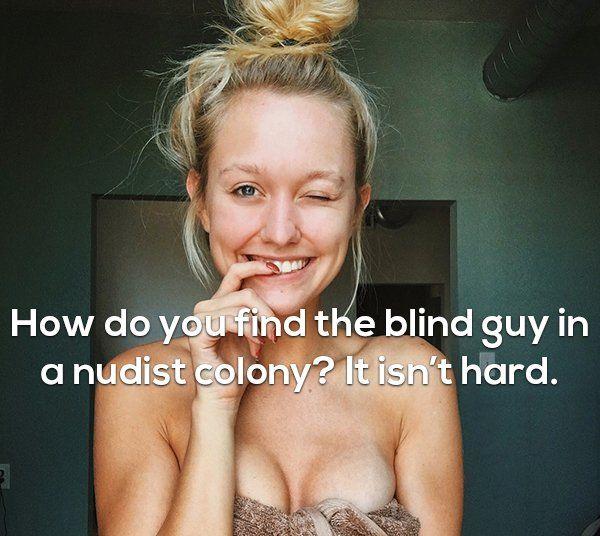 Girls And Funny Stuff (17 pics)