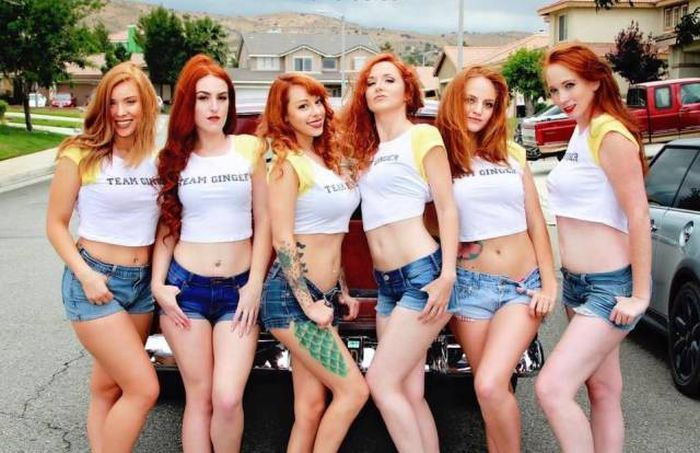Many Cute Girls Are Better Than One (36 pics)