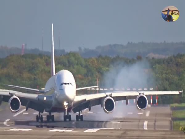 Airbus A380 Caught Up in Terrifying Crosswind Landing