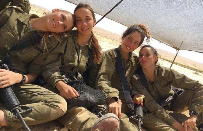 Hot Israeli Army Girls (30 pics)