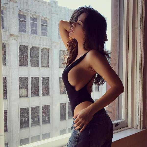 Beautiful Sideboob (41 pics)