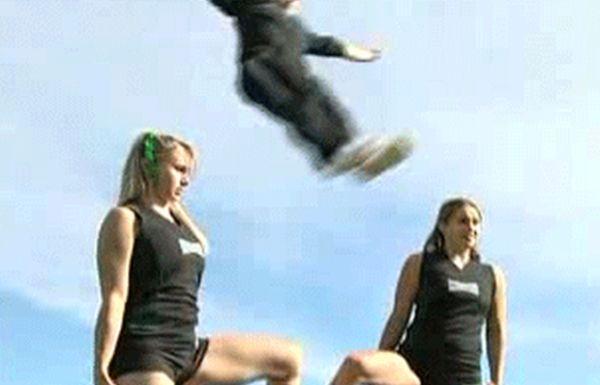 Cheerleading Fails (14 gifs)