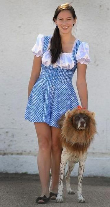 Couples Halloween Costumes For You And Your Dog (23 pics)