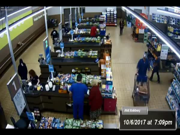 Police: Aldi Foiled Robbery