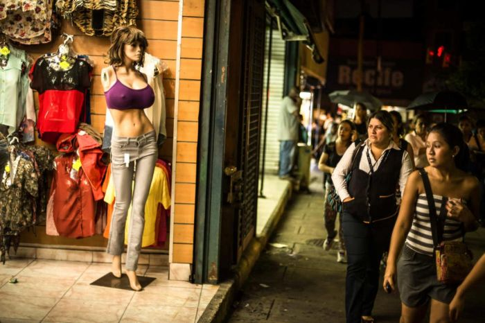 Sexy Mannequins From Venezuela (8 pics)