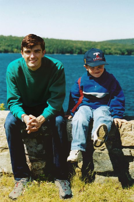 One Guy Photoshopped himself Into His Childhood Photos (11 pics)