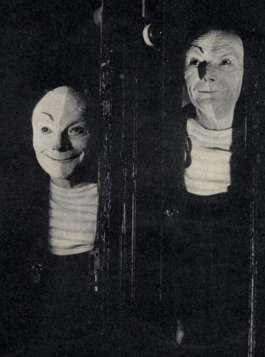 Weird And Scary Vintage Photos (13 pics)