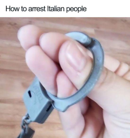 Italian Jokes (30 pics)