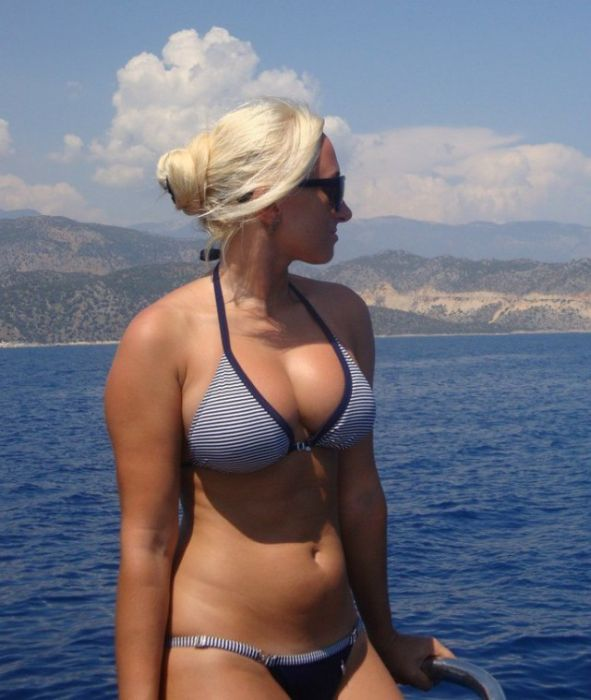 Girls Outdoors (30 pics)