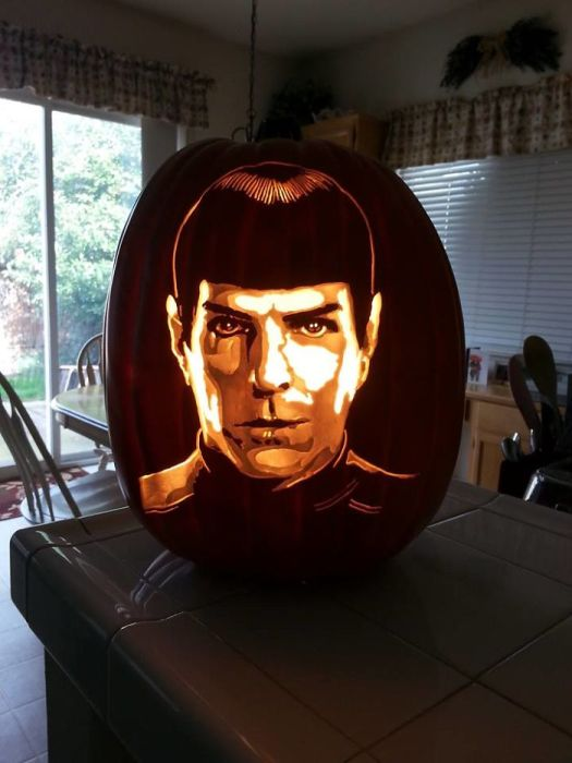 Artist Carves Pumpkins As Pop Culture Characters For Halloween (28 pics)