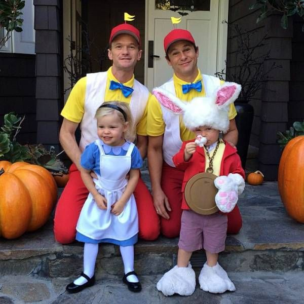 Halloween Costumes Of Neil Patrick Harris And His Family (7 pics)