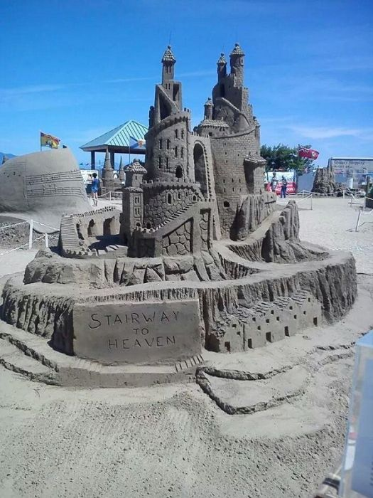 Amazing Sand Sculptures (23 pics)