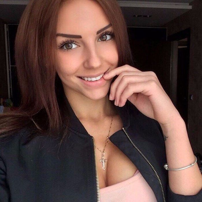 Selfies Of Hot Girls (48 pics)