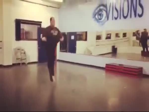Plus Size Dancer Shows Off Astounding Talent