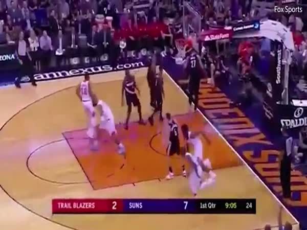 Phoenix Suns NBA Players Run Down The Court In Unison