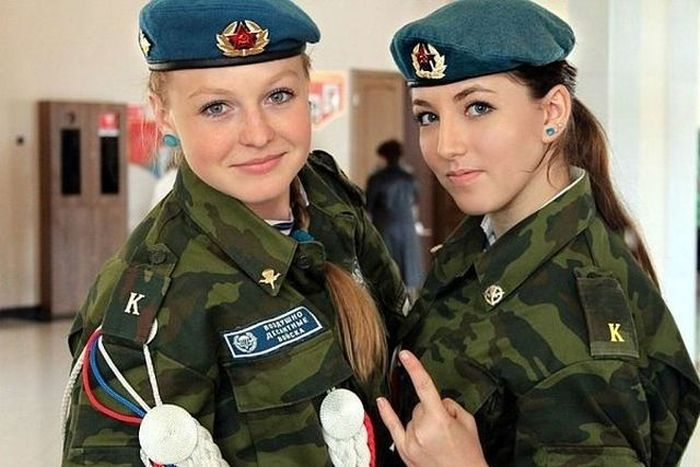 Russian Military Girls (12 pics)