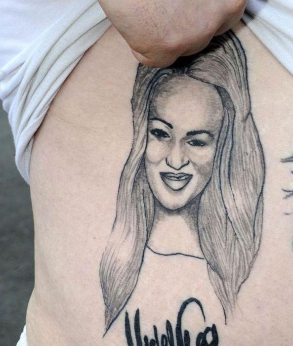 Bad Celebrity Tattoos (10 pics)