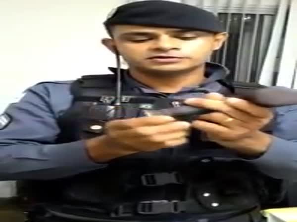 Brazilian Police Demonstrate How Gangs Turn Hammers Into Shotguns