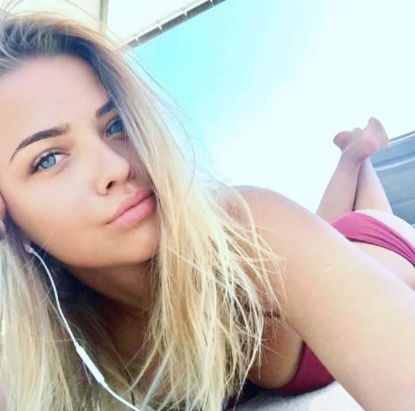Pretty Russian Girls (28 pics)