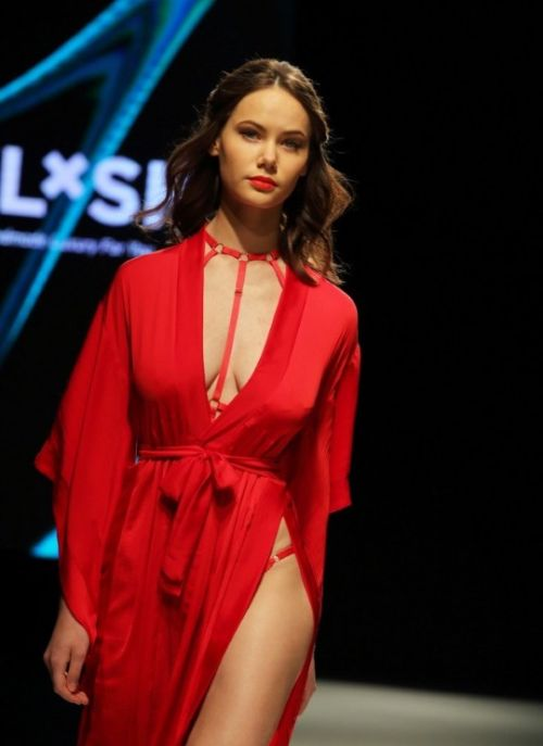 Lingerie Girls Of Riga Fashion Week 2017 (30 pics)