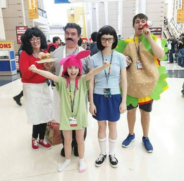 Family Cosplay (38 pics)