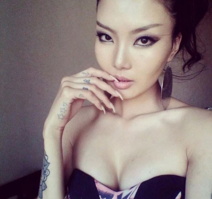 Exotic Girls from Mongolia (35 pics)