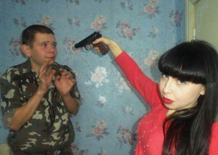 Strange Russian Peoples With Guns (20 pics)