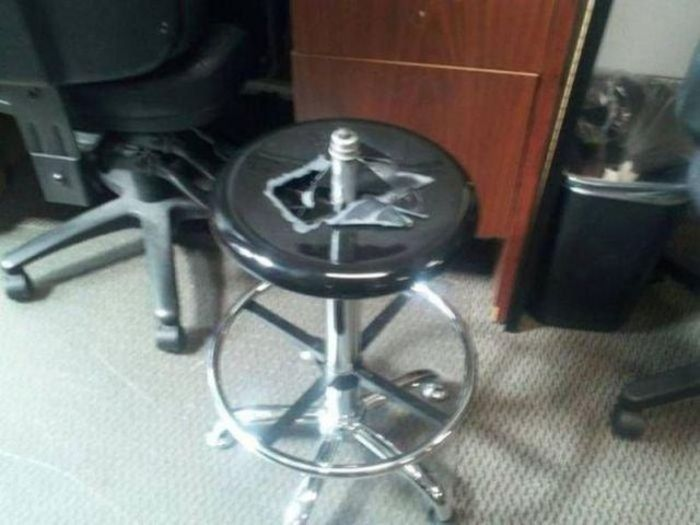 Dangerous Chairs (9 pics)