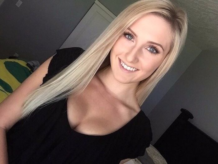 Pretty Blonde Girls (35 pics)