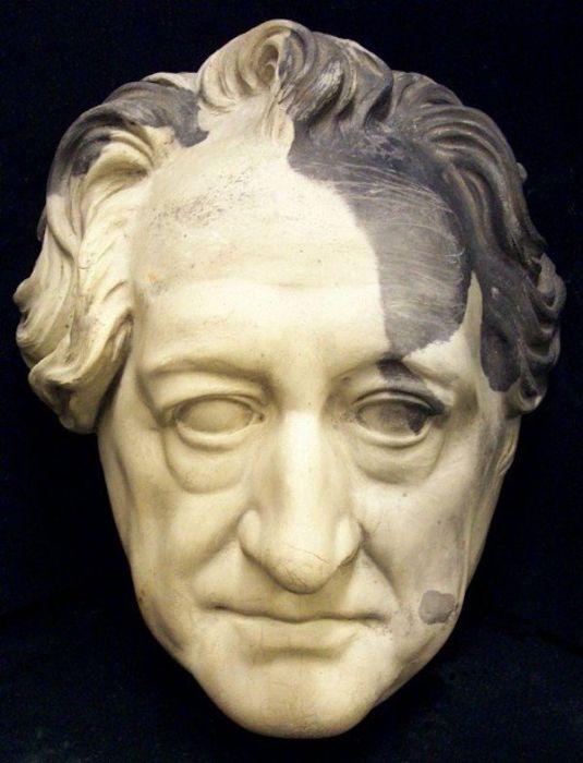 Deaths Masks Of Historical Figures (24 pics)